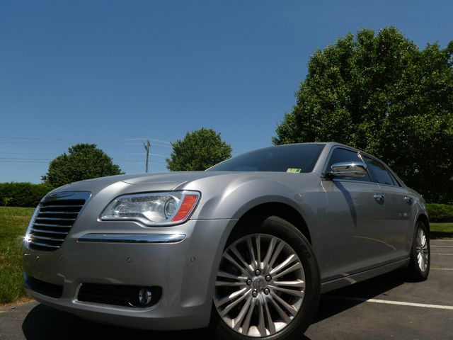 2013 Chrysler 300C 5.7L V8 Leesburg, Virginia 0