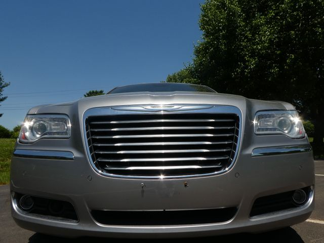 2013 Chrysler 300C 5.7L V8 Leesburg, Virginia 7