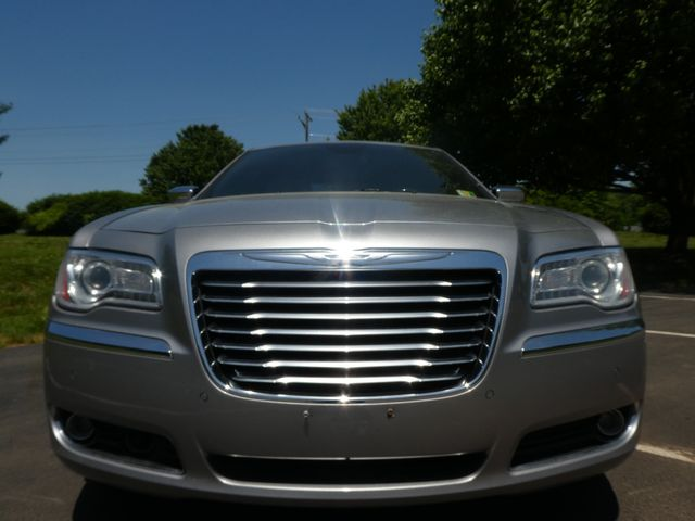 2013 Chrysler 300C 5.7L V8 Leesburg, Virginia 21