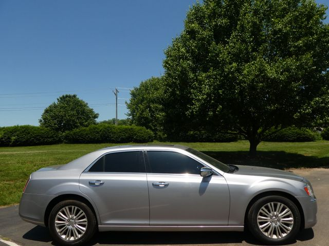 2013 Chrysler 300C 5.7L V8 Leesburg, Virginia 4