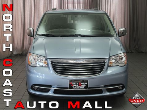 2013 Chrysler Town & Country Touring-L in Akron, OH