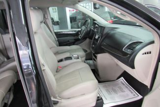 2013 Chrysler Town & Country Touring W/ BACK UP CAM Chicago, Illinois 15