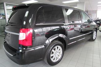 2013 Chrysler Town & Country Touring W/ BACK UP CAM Chicago, Illinois 4