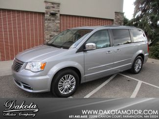 2013 Chrysler Town & Country Touring-L Farmington, Minnesota 0