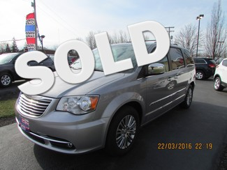 2013 Chrysler Town & Country Touring-L Fremont, Ohio