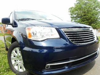 2013 Chrysler Town & Country Touring | Leesburg , VA | Car-Fi Auto Group in Leesburg  VA