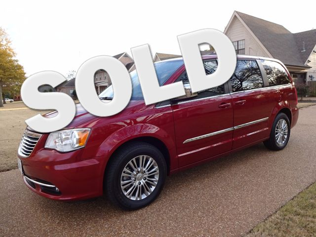 2013 Chrysler Town & Country Touring-L | Marion, Arkansas | King Motor Company