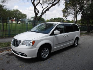 2013 Chrysler Town & Country Touring Miami, Florida
