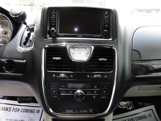 2013 Chrysler Town & Country Touring Miami, Florida 14