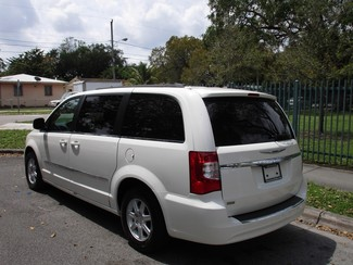 2013 Chrysler Town & Country Touring Miami, Florida 2
