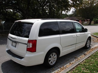 2013 Chrysler Town & Country Touring Miami, Florida 4
