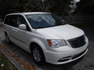 2013 Chrysler Town & Country Touring Miami, Florida 5