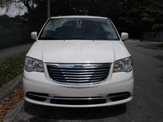 2013 Chrysler Town & Country Touring Miami, Florida 6