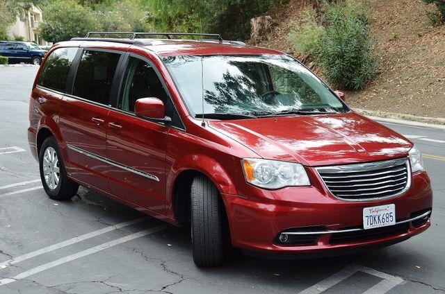2013 Chrysler Town & Country Touring Reseda, CA 4
