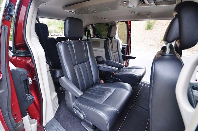 2013 Chrysler Town & Country Touring Reseda, CA 27