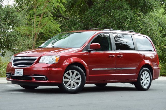 2013 Chrysler Town & Country Touring Reseda, CA 1