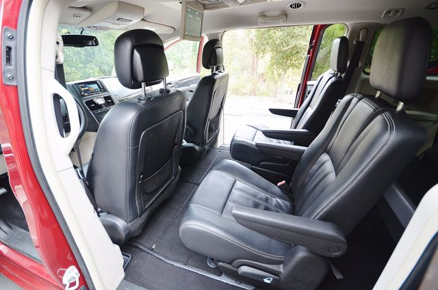 2013 Chrysler Town & Country Touring Reseda, CA 33