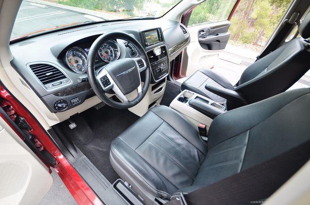 2013 Chrysler Town & Country Touring Reseda, CA 35