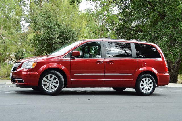 2013 Chrysler Town & Country Touring Reseda, CA 18