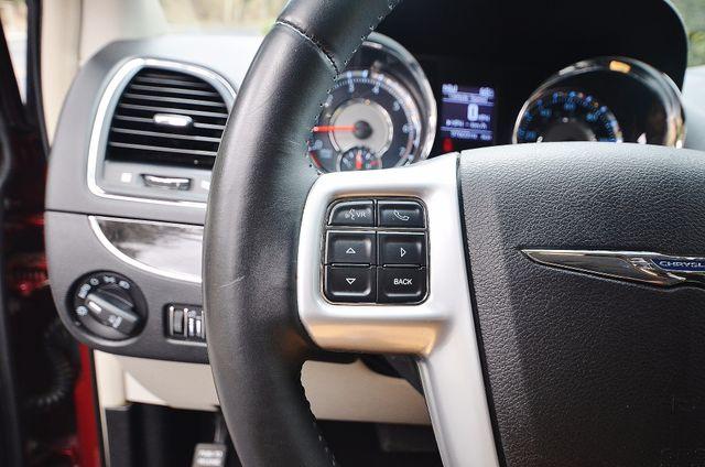 2013 Chrysler Town & Country Touring Reseda, CA 41