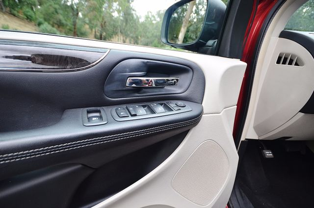 2013 Chrysler Town & Country Touring Reseda, CA 42