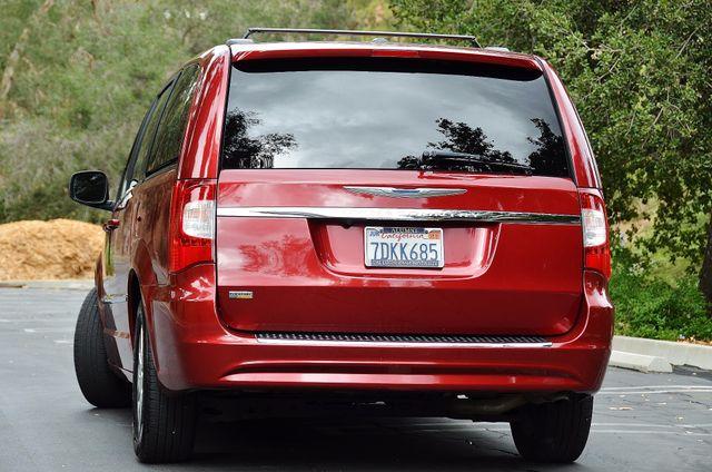 2013 Chrysler Town & Country Touring Reseda, CA 21