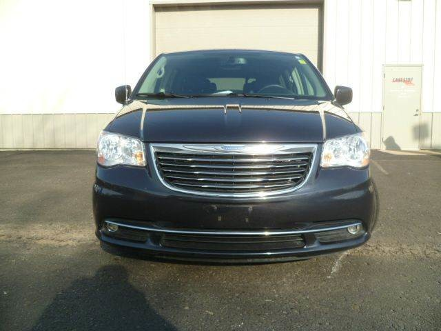 2013 Chrysler Town & Country Touring Roscoe, Illinois 4