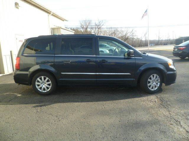 2013 Chrysler Town & Country Touring Roscoe, Illinois 2