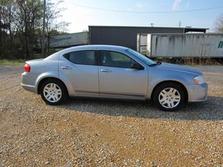 2013 Dodge Avenger SE Houston, Mississippi 3