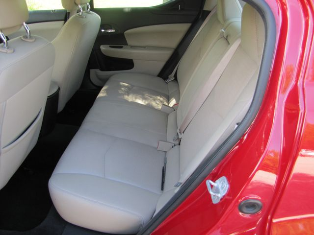 2013 Dodge Avenger SE St. Louis, Missouri 22