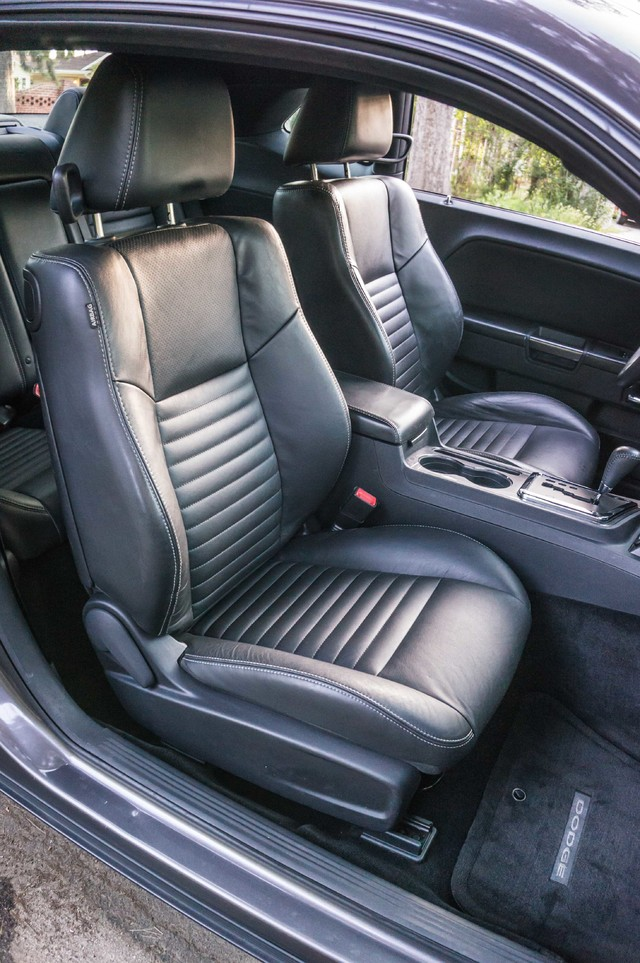 2013 Dodge Challenger SXT Plus - AUTO - LTHR - NAVI - 34K MILES Reseda, CA 26