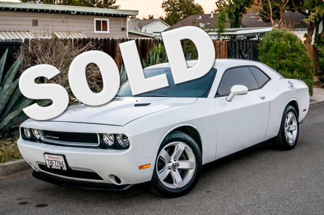 2013 Dodge Challenger SXT Reseda, CA 0