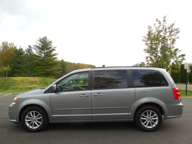 2013 Dodge Grand Caravan SXT Leesburg, Virginia 4