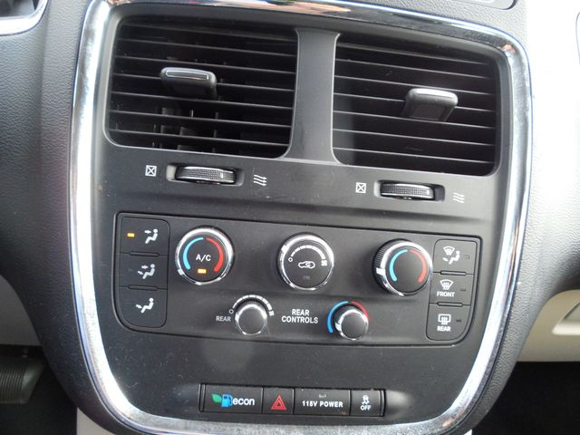 2013 Dodge Grand Caravan SXT Leesburg, Virginia 28