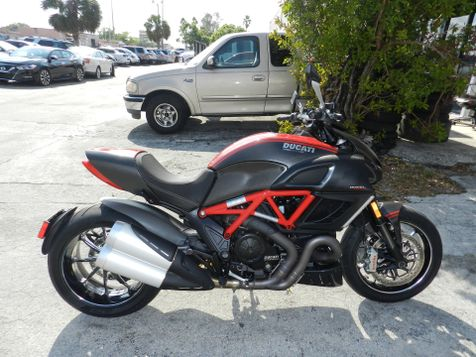 2013 Ducati Diavel Carbon Red Only 3,865 miles!!! *30 Warranty! in Hollywood, Florida
