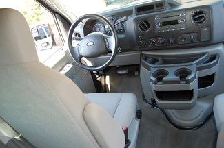 2013 Ford 15 Pass. XLT Charlotte, North Carolina 14