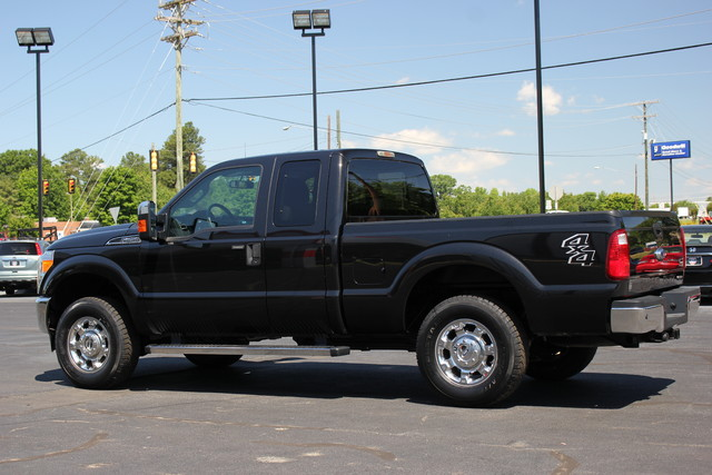 2013 Ford Super Duty F-250 Pickup XLT Mooresville , NC 4