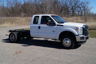 2013 Ford F350 XL - Cab Chassis -  4WD 6.7L Diesel-[ 2 ]