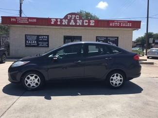 2013 Ford Fiesta SE Devine, Texas