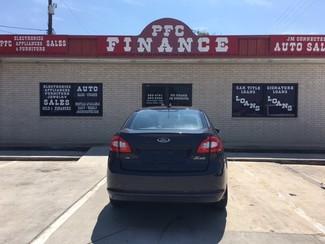 2013 Ford Fiesta SE Devine, Texas 1