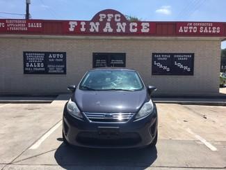 2013 Ford Fiesta SE Devine, Texas 3