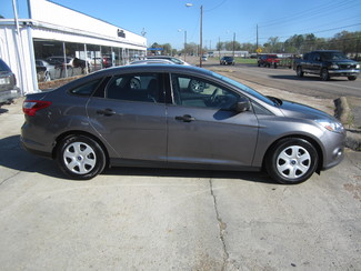 2013 Ford Focus S Houston, Mississippi 3