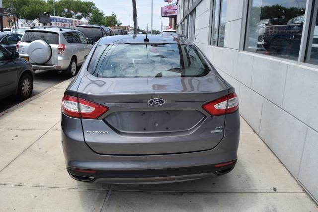 2013 Ford Fusion SE Richmond Hill, New York 3