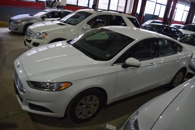 2013 Ford Fusion S Richmond Hill, New York 1
