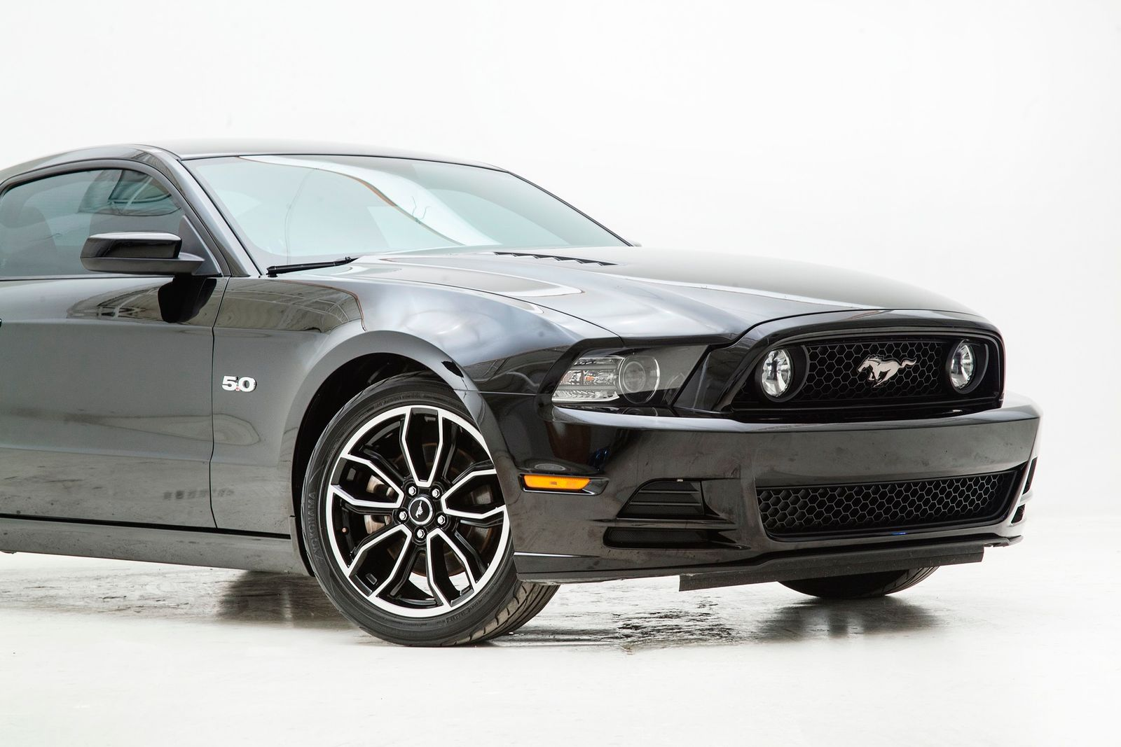 Used 2013 Black Ford Mustang  GT Premium Photo 4