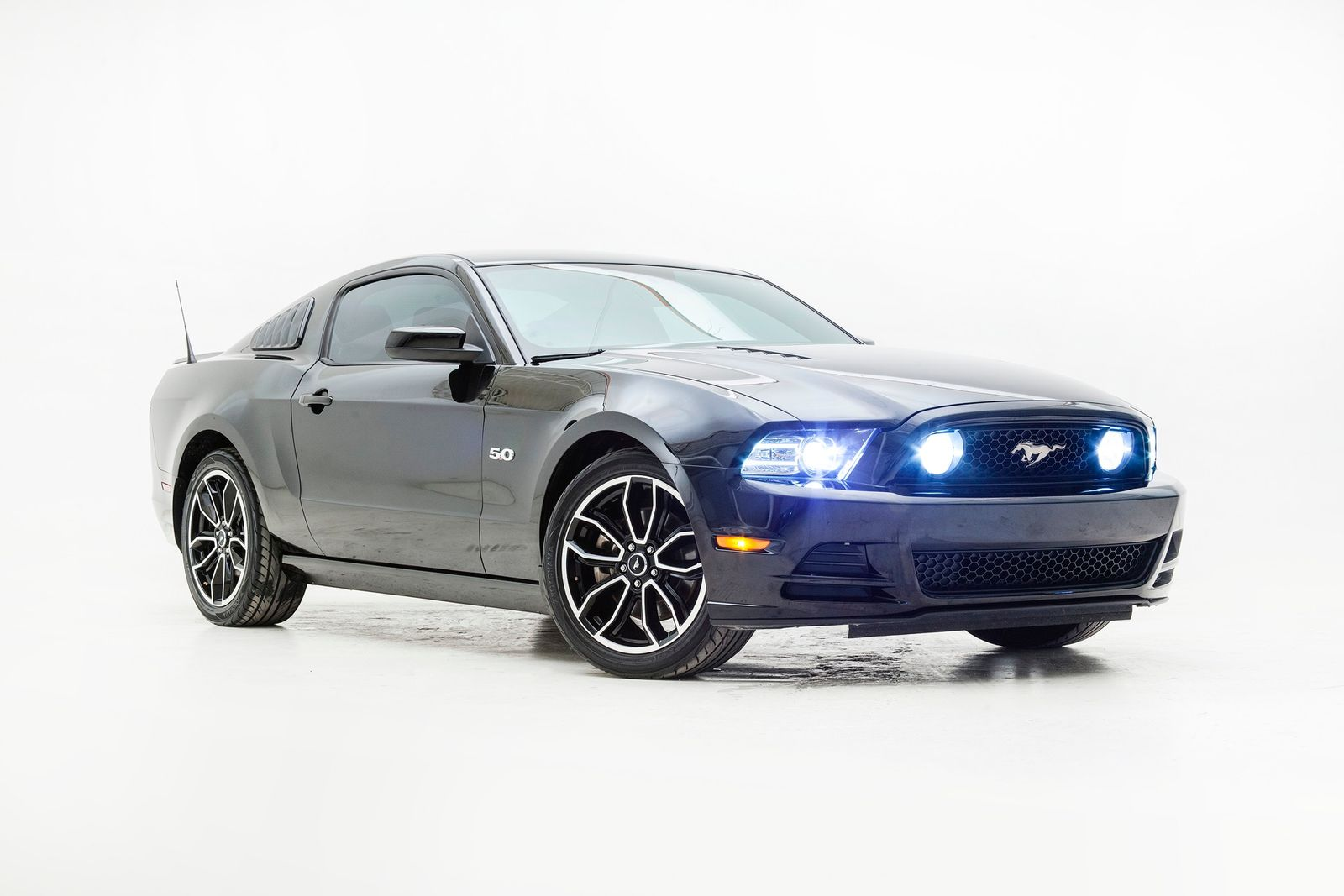 Used 2013 Black Ford Mustang  GT Premium Photo 5