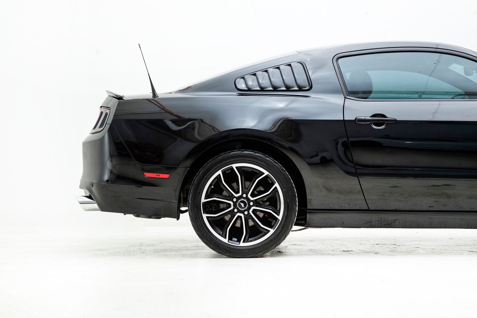 Used 2013 Black Ford Mustang  GT Premium Photo 7