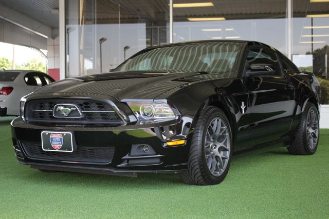 2013 Ford Mustang V6 Premium - Heated Leather - Upgraded Wheels! Mooresville , NC 23