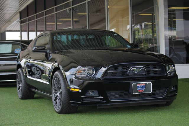 2013 Ford Mustang V6 Premium - Heated Leather - Upgraded Wheels! Mooresville , NC 26