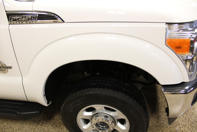 2013 Ford Super Duty F-250 Tommy lift gate XLT Roscoe, Illinois 10